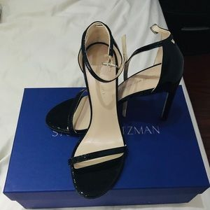 NUDISTSONG HEELS BLACK PATENT. FIT size 6 and 5.5